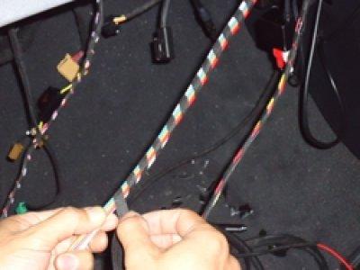 画像1: tesaテサテープふっくら布タイプ(9mm幅)難燃!欧州車,ベンツ,BMW,ワーゲン,アウディ,