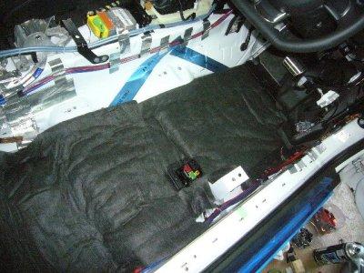 画像1: カーボンウール(炭素材)ボンネット遮熱/防音対策に・ 店長一押し!